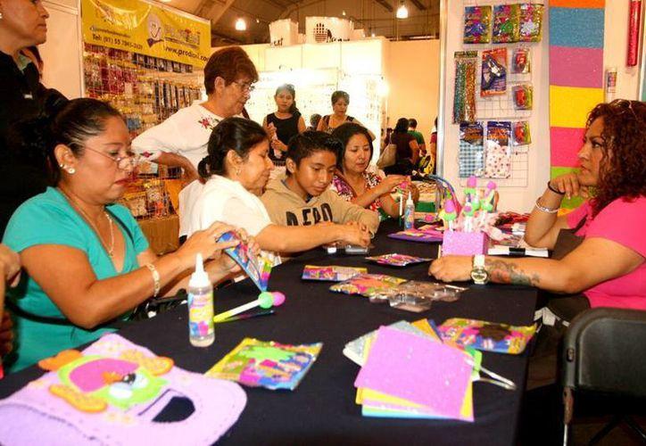 La Feria de Manualidades muestra estará abierta al público este sábado y mañana domingo,  en el Centro de Convenciones Yucatán Siglo XXI, en horario de 10:00 a 21:00 horas. (Foto cortesía)