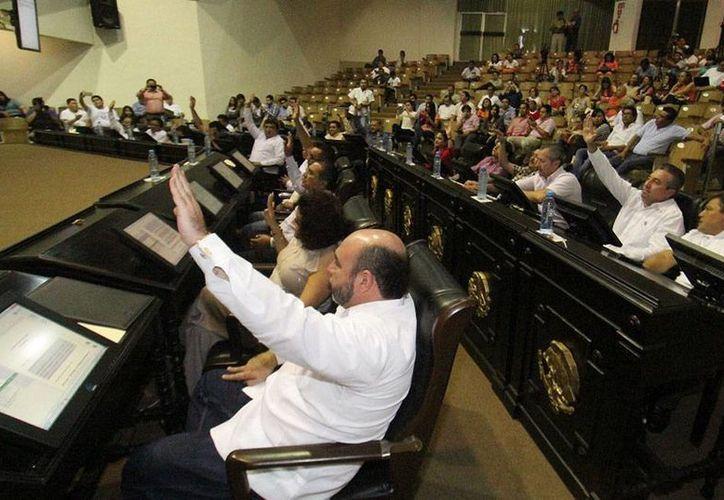El Congreso del Estado eligió por unanimidad a José Enrique Goff Ailloud como nuevo presidente de la Comisión de Derechos Humano del Estado de Yucatán, en sesión plenaria. (Cortesía)