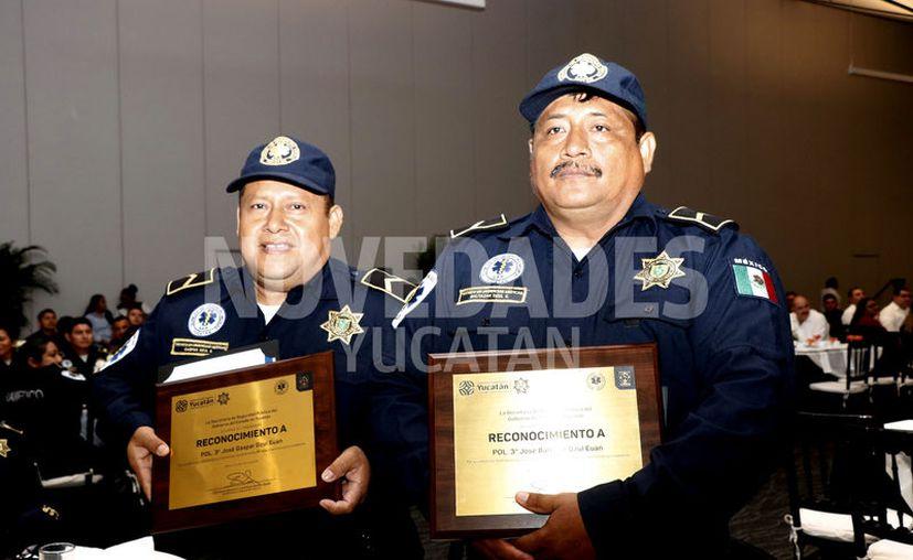 Ambos exhortaron a sus compañeros a seguir dando lo mejor de sí día con día.  (Novedades Yucatán)