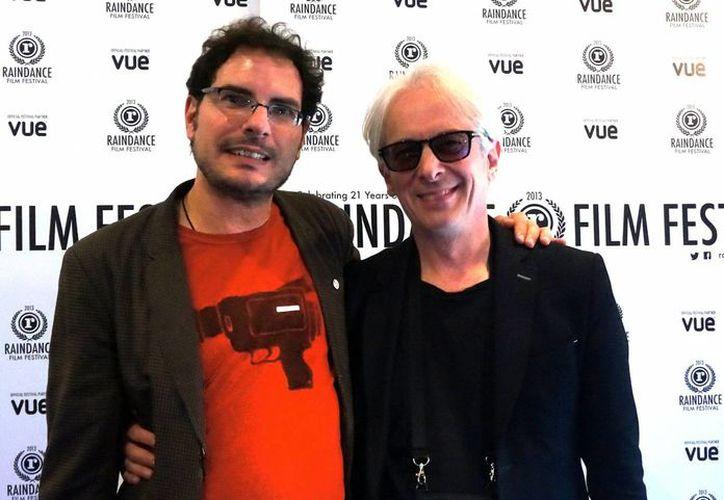 """La película """"Besos de azúcar"""", del director mexicano Carlos Cuarón (izq), debutó con lleno total en el Festival de Cine Independiente de Raindance, que concluye hoy en Los Angeles. (Notimex)"""