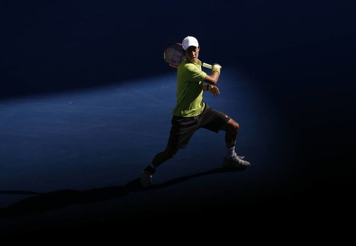 Tras eliminar a David Ferrer, Kei Nishikori se enfrentará al campeón defensor Stanislas Wawrinka en el Abierto de Australia. (Foto: AP)