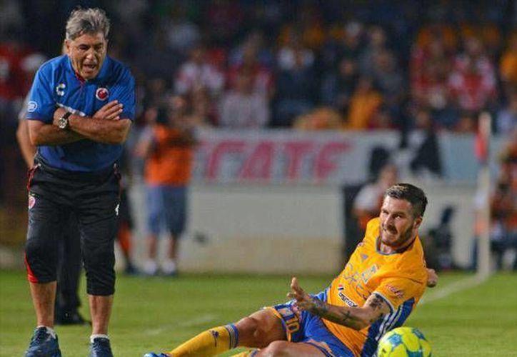 El delantero de Tigres, Gicnac, respondió a las criticas del entrenador del Veracruz, Reinoso, quien lo culpó por la bronca del viernes pasado. (Imagen tomada de Foxplay.com)