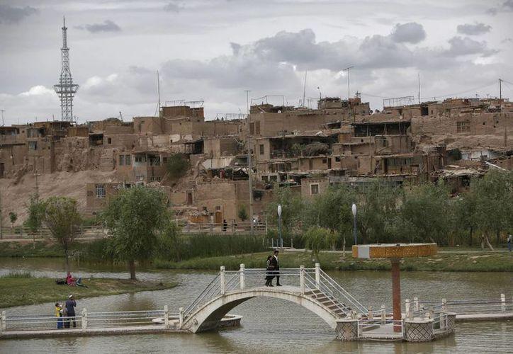 El. ataque se produjo en la comisaria de Serikbuya, en la prefectura de Kashgar. (Agencias)