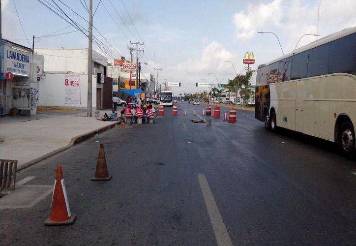El cierra es en la Avenida José López Portillo, a la altura de la Supermanzana 60. (Sergio Orozco/SIPSE)