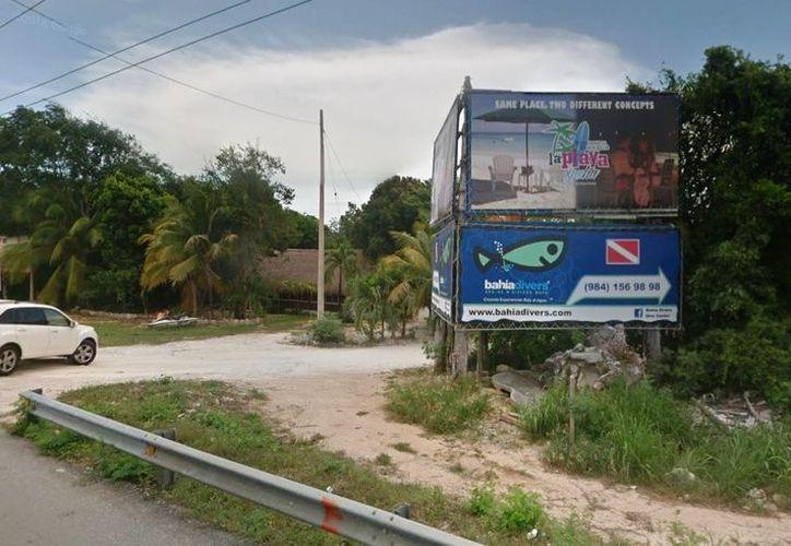 Los habitantes de Puerto Aventuras tienen que acudir a Playa del Carmen para acceder a la playa. (Octavio Martínez/SIPSE)
