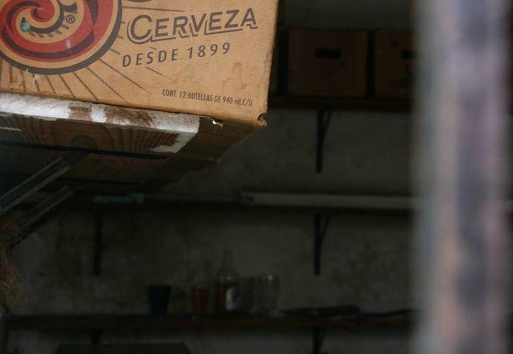 La autoridad municipal no puede ingresar a los domicilios particulares que expenden bebidas alcohólicas fuera de la ley.  (Irving Canul/SIPSE)