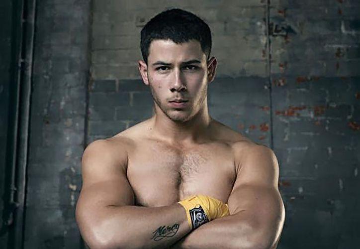 Nick Jonas acabó besando a la chica a la que había ayudado al caerse de una bicicleta. (The Celebs Closet)