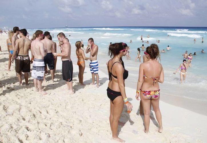 Los destinos más visitados por turistas cancunenses que van a este país son: Toronto, Montreal, Calgary y Vancouver. (Israel Leal/SIPSE)