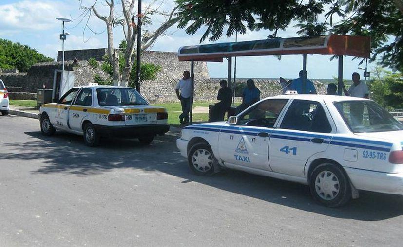 El dirigente del sindicato de taxistas hizo la petición de que las concesiones autorizadas al Ejido de Bacalar se le entreguen a los socios o en otro gremio. (Ángel Castilla/SIPSE)