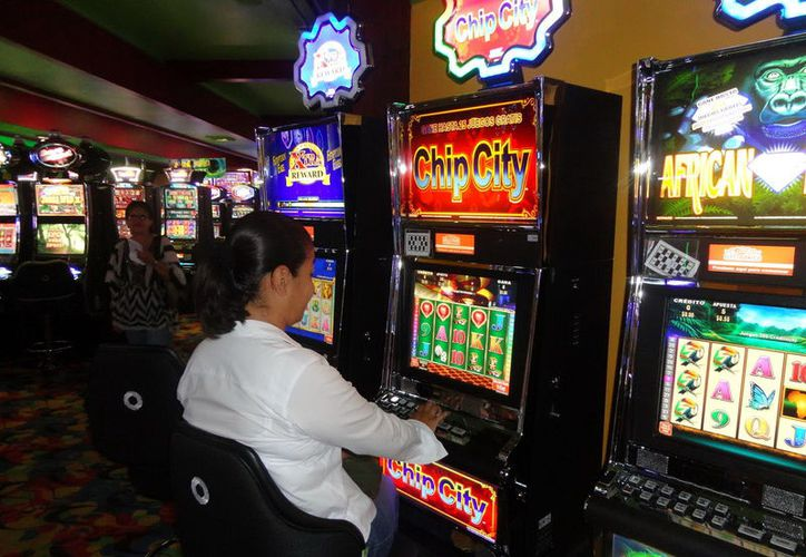 Las apuestas de los jugadores en Yucatán, representan en promedio cada mes unos 12 millones 110 mil pesos. (Foto: Milenio Novedades)
