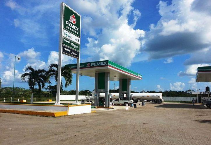 La construcción de la gasolinera se aprobó a fin de mejorar la oferta de combustible en la zona. (Edgardo Rodríguez/SIPSE)