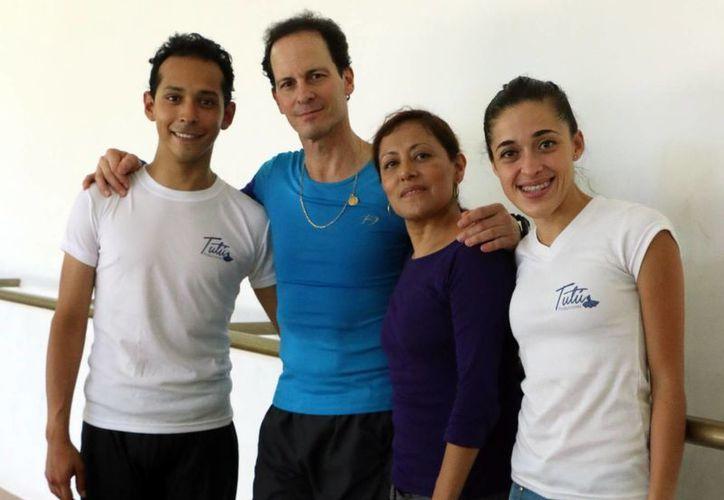 El bailarín Jorge Vega manifestó encontrar muy bien a los jóvenes yucatecos y apuntó que van por buen camino en la danza. (Milenio Novedades)