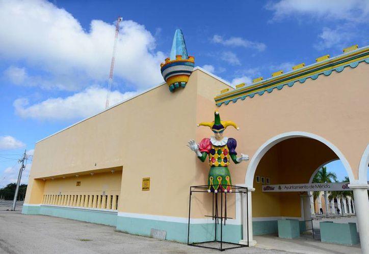 Este miércoles comienzan en Mérida los festejos con motivo del Carnaval 2014. (Luis Pérez/SIPSE)