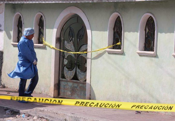 Esta es la fachada del predio donde este 17 de mayo fue asesinado el sacristán de Ucú. Sus victimarios fueron identificados, pero siguen prófugos. (Aldo Pallota/SIPSE)