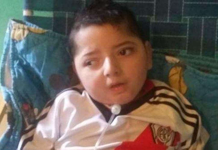 Valentino tenía tres años con parálisis cerebral tras accidente en su hogar. (El Clarín)
