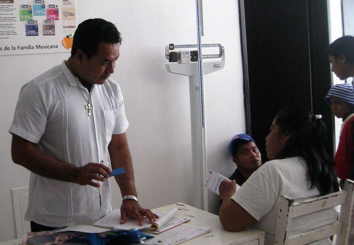 El Hospital Comunitario de Bacalar, recomiendan medidas de prevención a la población. (Javier Ortiz/SIPSE)