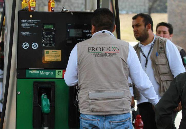 Profeco iniciará inspeccionando las gasolineras que tienen más quejas por parte de los usuarios. (Notimex)