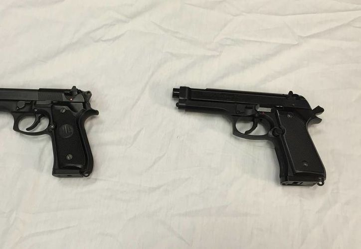 Nueve estados de la Unión Americana han aprobado leyes que permiten a estudiantes portar armas en sus universidades. Varios profesores han advertido de que no permitirán pistolas en sus clases. Imagen de contexto. (Archivo/AP)