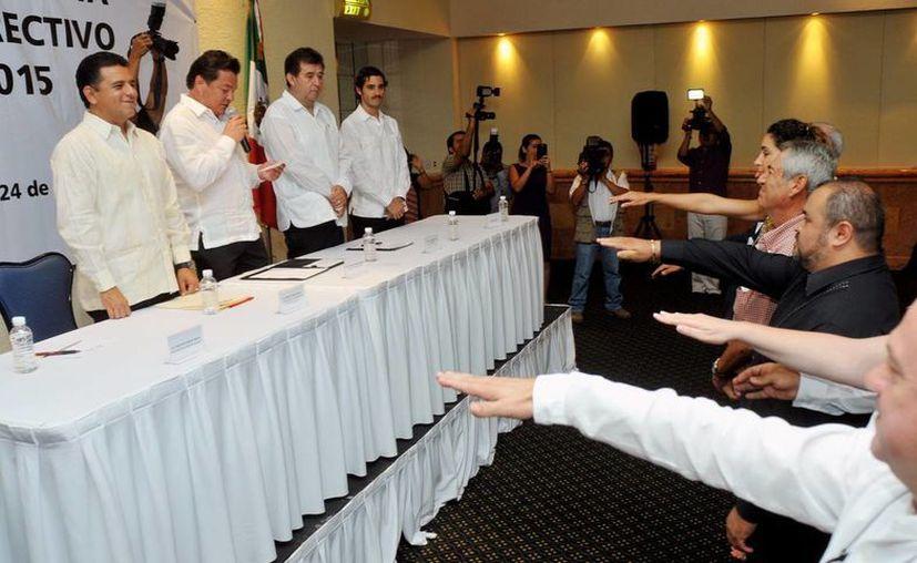 Toma  protesta el consejo directivo de la Asociación de Hoteles de Cozumel. (Cortesía/SIPSE)