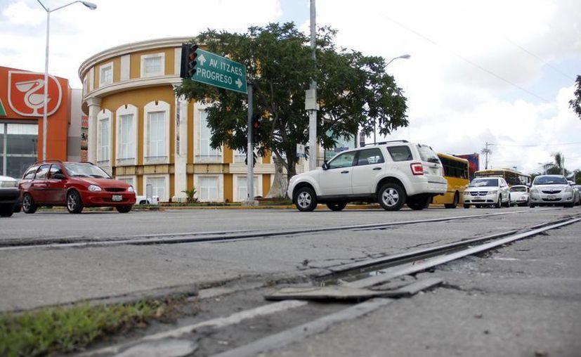 Calle 60 por Circuito Colonias, una de las arterias con mayor afluencia. (Milenio  Novedades)