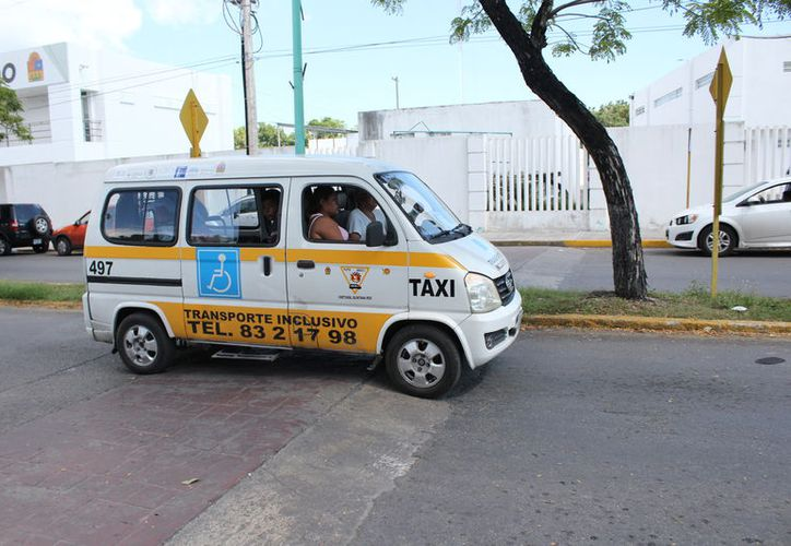 Decenas de personas requieren el servicio en la capital del estado. (Enrique Mena/SIPSE)
