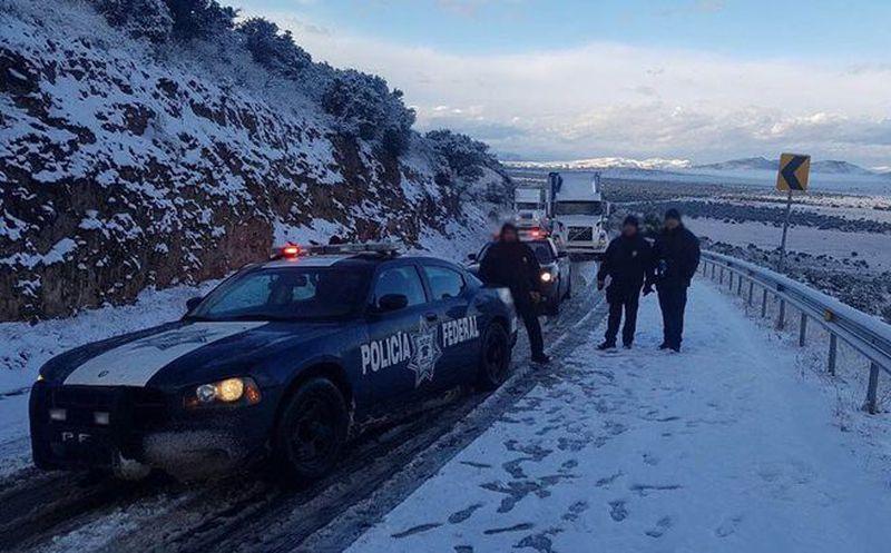 Por nevadas cierran carretera Janos-Agua Prieta
