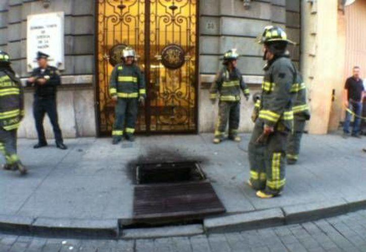 Elementos de bomberos llegaron al lugar. (Jorge Becerril/Milenio)