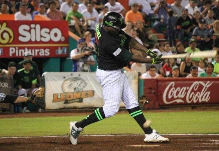 Jesús Valdez(foto) ha lucido apagado en los dos primeros partidos de la serie, ante Pericos de Puebla.(Foto tomada de sitio oficial/Leones de Yucatán)