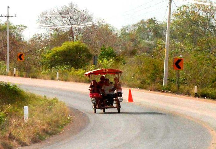 A 2 kilómetros de distancia de José María Morelos se lleva a cabo la fiesta tradicional. (Foto: Tony Blanco  / SIPSE)