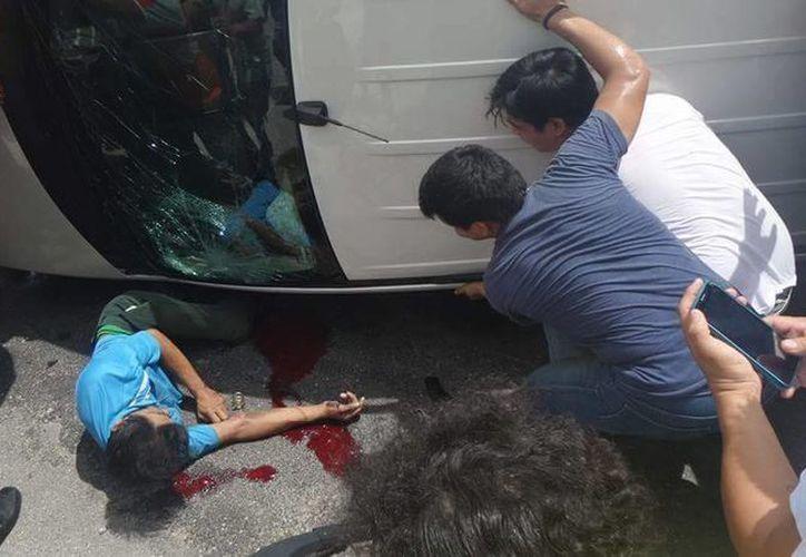 Un ciclista terminó con las piernas aplastadas, en Chuburná, pero sobrevivió, mientras que una muchacha perdió la vida al ser atropellada. (Fotos: SIPSE)