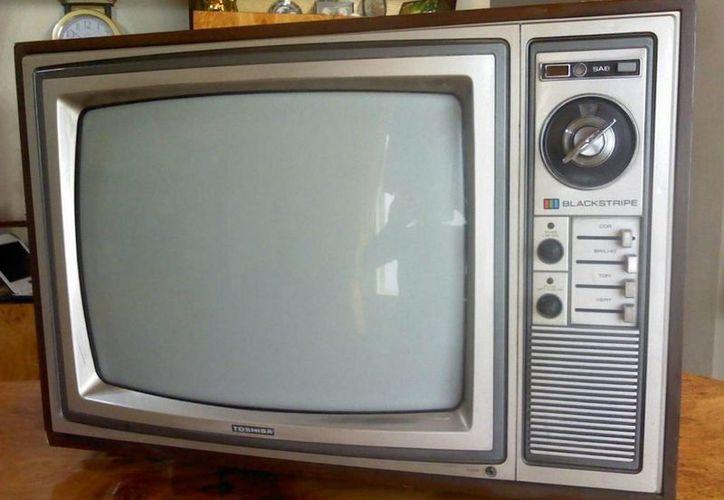 Los televisores analógicos que han dejado de recibir señal digital, formarán parte de esta basura electrónica. (Javier Ortiz/SIPSE)