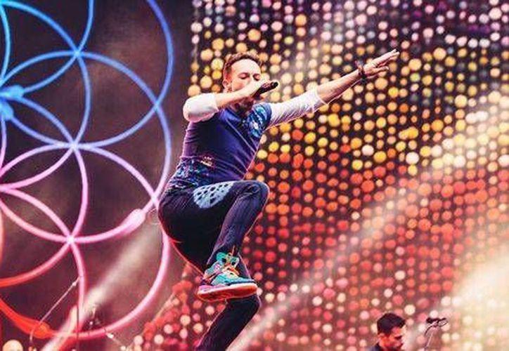 La banda Coldplay estrenó el videoclip de 'Amazing Day', el cual tiene una duración total de 4 minutos. (Foto tomada de Facebook/Coldplay)