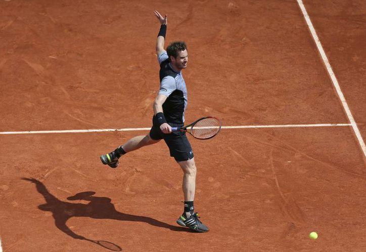 Andy Murray avanzó en Roland Garros con un contundente triunfo de 6-4, 6-2, 6-3 sobre Nick Kyrgios (AP)