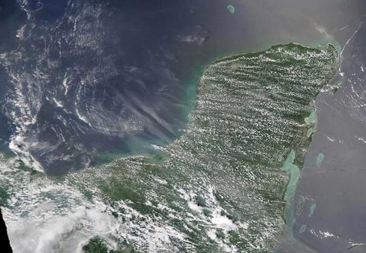La llegada del polvo del Sahara es un fenómeno que ocurre cada año. La imagen corresponde al verano de 2013, cuando las partículas fueron más grandes y visibles. (SIPSE)