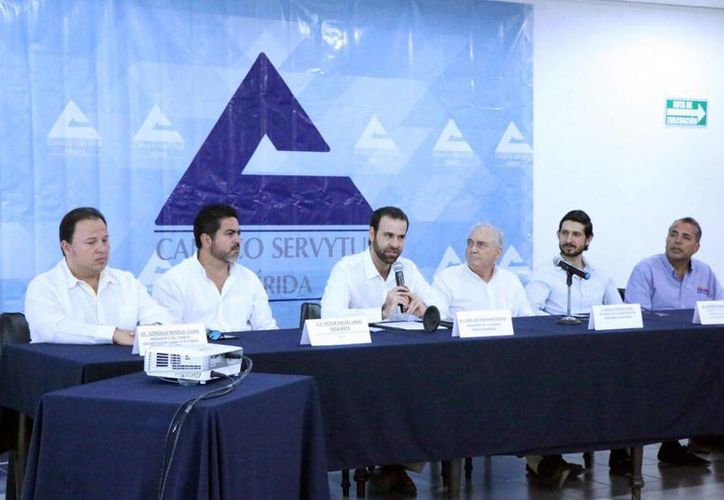 Imagen de la rueda de prensa donde la Canaco anunció los pormenores de la V edición del Business Club. (José Acosta/Milenio Novedades)