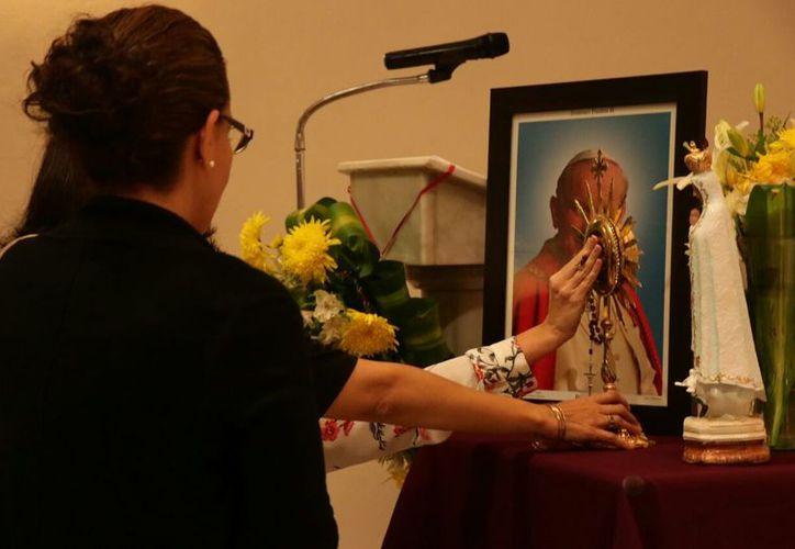 Las reliquias fueron recibidas por el Instituto Pontificiano Juan Pablo II. (Jorge Acosta/Milenio Novedades)