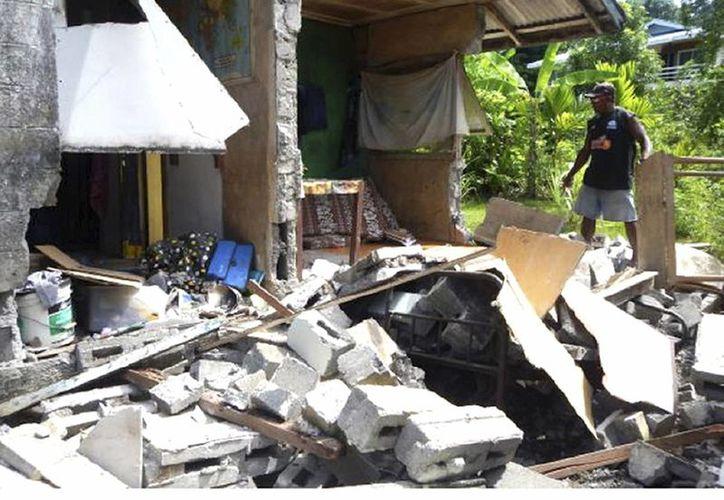 Daños del sismo en Islas Salomón no han sido totalmente cuantificados debido a la lejanía de algunas regiones. (Gray Nako/World Vision Solomon Islands via AP)