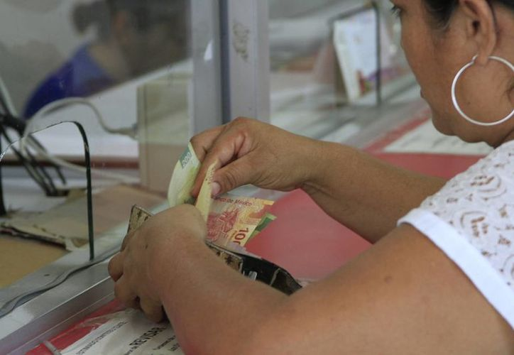 A partir de esa fecha ya se podrán pagar los 40 días laborales que aplica el aguinaldo para el sector federal. (Ángel Castilla/SIPSE)