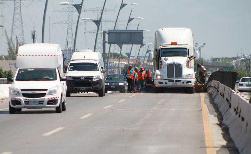 Durante las obras del reencarpetamiento, veinte elementos de Tránsito coordinarán el paso vehicular.  (Adrián Barreto/SIPSE)