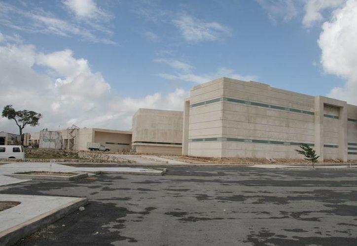 Desde 2009 se dio inicio a esta obra y cuatro años después se anunció su posible inauguración. (Luis Soto/SIPSE)