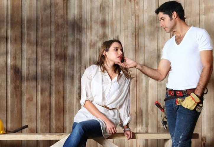 En 'Dama y obrero' Ana Layevska comparte créditos con José Luis Reséndez. (latercera.com)