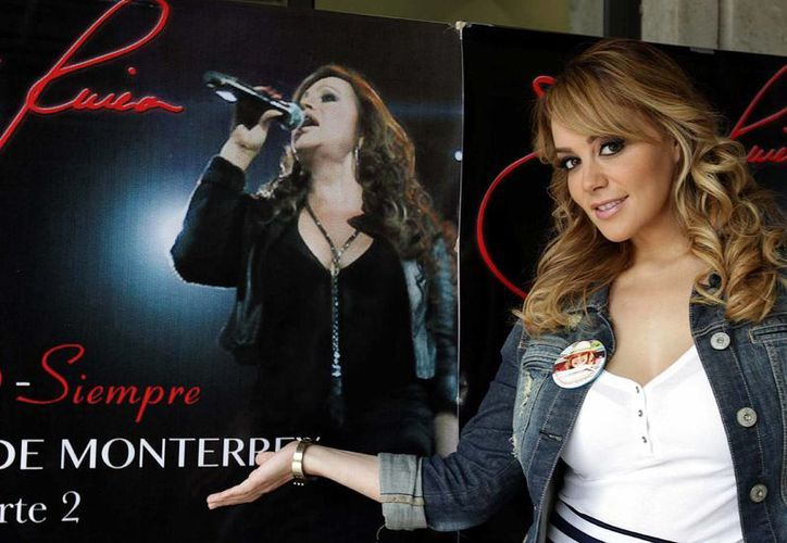 """Rosie Rivera, hermana de la fallecida cantante Jenni, dijo que planea lanzar un material inédito en inglés que la """"Diva de la Banda"""" dejó grabado. (Notimex)"""