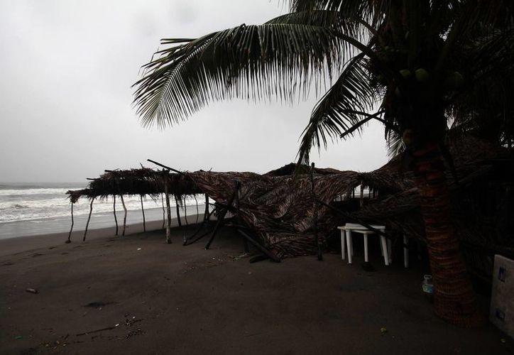 Debido a la zona de baja presión, hay potencial de lluvias intensas en Chiapas, Oaxaca, Guerrero y Veracruz. Imagen de contexto de la costa chiapaneca. (Archivo/Notimex)