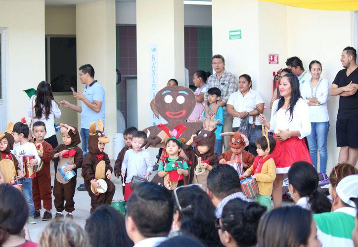 Organizaron desde el pasado lunes, los festivales artísticos con motivos navideños. (Daniel Pacheco/SIPSE)