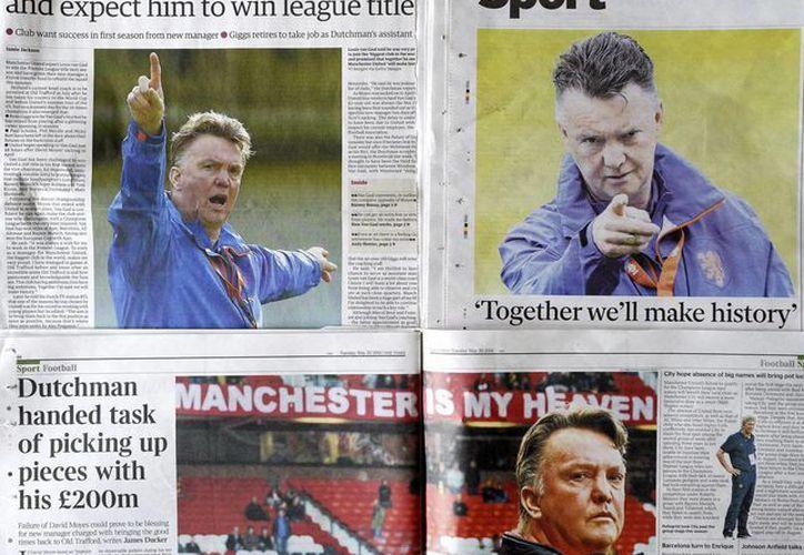 Los medios británicos aseguran que cualquier movimiento que realice Van Gaal será dirigido al refuerzo del plantel de los 'red devils'. (EFE)