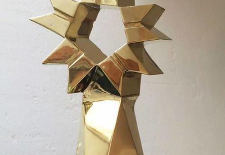 Imagen de la presea del que será acreedor el ganador del concurso. Fue elaborada por el maestro escultor Sebastian. (Facebook Premio Armando Manzanero)