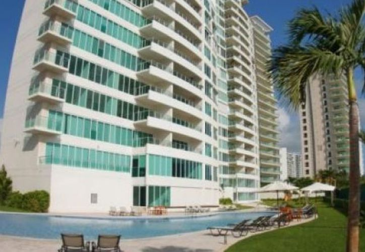 A Lydia Portilla Mánica se le relaciona en una simulación de compraventa donde se vendieron 19 propiedades lujosas en Puerto Cancún.