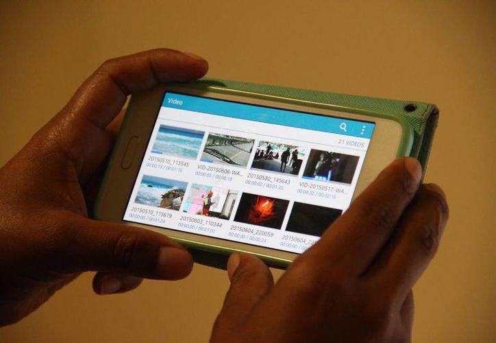 Las redes sociales evolucionan crece el impacto, las dimensiones del tiempo y el espacio. (Consuelo Javier/SIPSE)