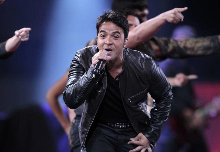 Fonsi asegura que grabar en Londres su nueva producción fue un contraste drástico entre Puerto Rico y Miami. (AP)