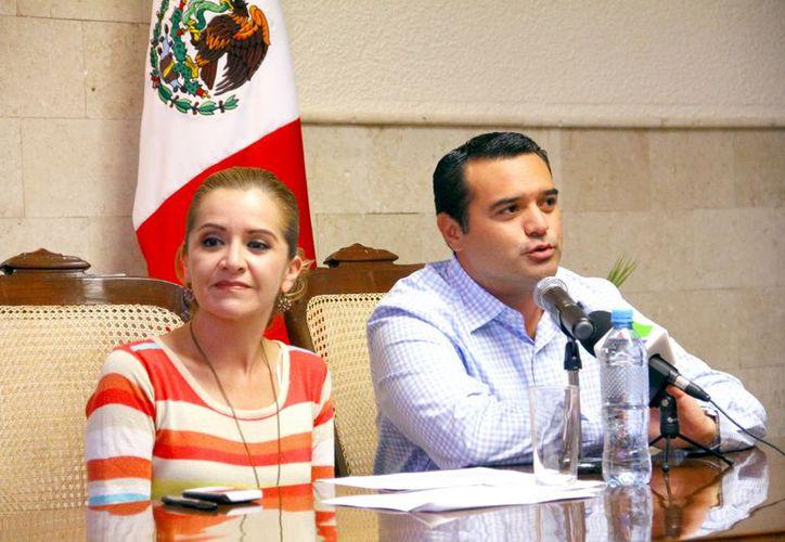 La tesorera municipal y el Alcalde de Mérida. (Milenio Novedades)